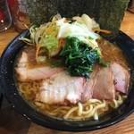 横横家 - チャーシュー麺トッピング野菜畑