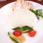 海南鶏飯食堂M - 海南鶏飯 900円 の鶏のスープで炊いたご飯