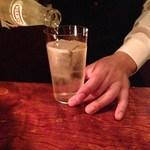 ル・コネスール - 2杯目:グレンモーレンジソーダ割り