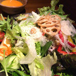 Watami - 17品目のサラダ