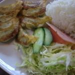 38507368 - ご飯とサラダと餃子がワンプレートで^^;