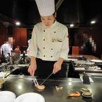 ローズルーム名古屋 - この日は原シェフが担当してくれました、礼儀正しい素敵なシェフです
