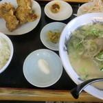 味鮮園 - 豚骨ラーメン+から揚げ定食