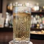 ロッキングチェア - 日本のウイスキー特別ブレンドのハイボール