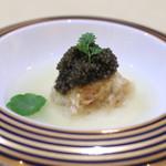 トゥ・ラ・ジョア - チョウザメの一皿 (2015/05)
