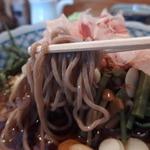 そば処けん太 - 黒目の麺