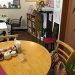 杜のカフェ シャナ - 可愛い店内