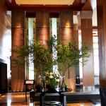 38516397 - Main Lobby 正面はMain Bar