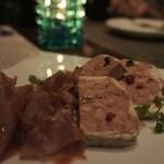 肉ビストロ SIXMARS - スペックとパテ ド カンパーニュ