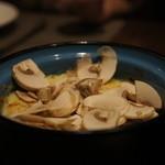 肉ビストロ SIXMARS - 熱々マッシュルームグラタン