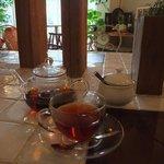 ガーデン&クラフツ カフェ - 紅茶はポットで