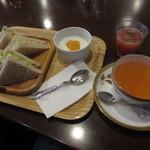 KAKO 柳橋店 - モーニングCセット、紅茶は ヌワラエリア