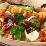 六九和 - 日向鶏と地場野菜のピリ辛