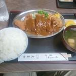 十三 大富士 - トンカツ定食