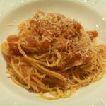 アラペサ - イタリア産ディアボラハムとトマトソースのスパゲッティーニ