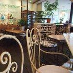 ガーデン&クラフツ カフェ - 1階