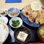 丸金食堂 - 唐揚げ定食