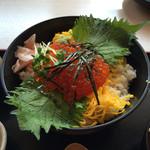 四季さかな - 鮭といくらの親子丼(鮭抜き)