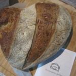 38535484 - ブロン 小麦のパン