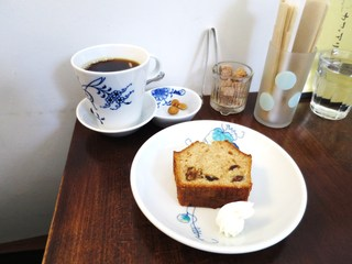 カフェ アリエ - 珈琲、キルシュ漬けドライフルーツのパウンドケーキ
