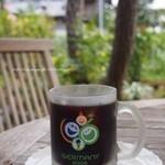 葉山珈琲パッパニーニョ - 可愛いグラスで登場したアイスコーヒー。思わず笑みがこぼれました(*^^*)