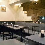 尹 MASA - 「尹 MASA」奥のテーブル席