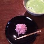 五十鈴茶屋 - 「伊勢撫子」と冷抹茶