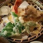 手打ち蕎麦  慶俊庵 - 天ぷら/海老・ひらたけ・人参・牛蒡・茄子・かぼちゃetc.