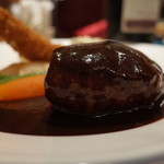 グリル 彌兵衛 - グリル 彌兵衛のコンビネーションのハンバーグは肉のかたまり!(15.04)