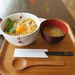 38557369 - 純和鶏親子丼(750円)