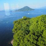 38557793 - 朝食会場の「スカイラウンジ トップ オブ ヒロシマ」から見た瀬戸内海。