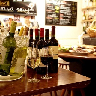 世界各地のワインを各種ご用意しています!