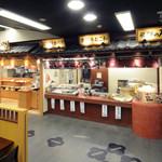 関サービスエリア(上り線)テイクアウトコーナー - 外観写真:飛騨牛コロッケや明方フランクなど岐阜の美味しいものが揃います