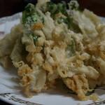 38567253 - オオタニワタリ、らっきょうの天ぷら+魚の天ぷら