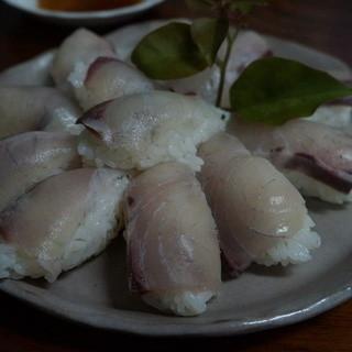 しこや - 料理写真:島魚にぎり寿し