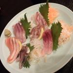 魚と酒菜 - お刺身6点盛り <税込>980円(2015.05.30)