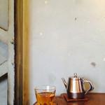 ヒトト - 六条麦茶(冷)