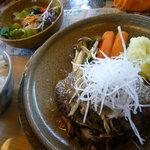 カフェレストラン 瀬里家 - 自家製ハンバーグセット(1500円)~ハンバーグ(デミグラスor和風)、スープ、サラダ、ライスorパン、ドリンク付