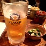 海味 はちきょう 別亭 おふくろ - ビールで乾杯♪(〃゜▽゜)ノ□☆□ヽ(゜▽゜*)♪                             ここでも生はサッポロクラシック。