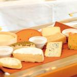 箱根ハイランドホテル ラ・フォーレ - チーズ各種取り揃えております。