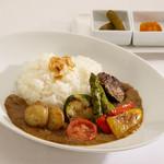 箱根ハイランドホテルオリジナル 野菜の薪火焼きカレー
