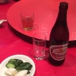 元郷飯店 - 料理写真:ビール 中 お通し?
