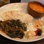 ジェイハン - Cセット お肉とほうれん草の炒め煮+インゲン豆のシチュー