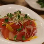 お魚どうらく - トマトサラダ フツーですね