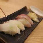 お魚どうらく - 平目とカンパチのお寿司・・・