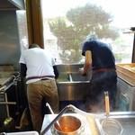 松製麺所 - 厨房の仕事