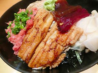 鮨 からく - 江戸前穴子、梅雨時に旬を迎えるだけあって美味♡ 「お魚マイスター」の資格を持っている魚屋さんから直送ですって!