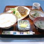 キッチン・ハル - ハンバーグ定食。950円