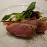 シャポン・ファン - 肉料理:鴨肉のスモーク・フォアグラと無花果添え