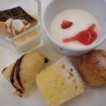 空桜 - 期間限定の別料金でハーゲンダッツの食べ放題があったので、それ以外のデザート